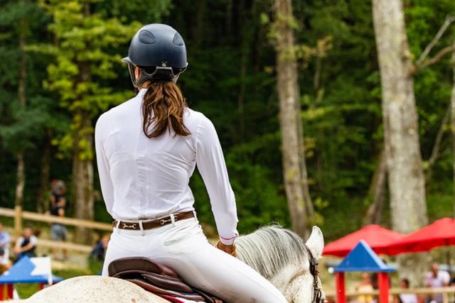 Sådan bliver du og din hest stævneklar